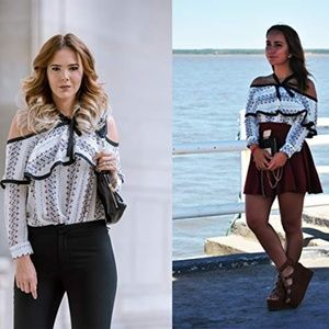 Tops - ❗️SOLD❗️Printed Bow Neck Off the Shoulder Top